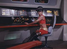 uhura | Uhura in ''Mirror Mirror'' - Star Trek Women Photo (8068858) - Fanpop ...