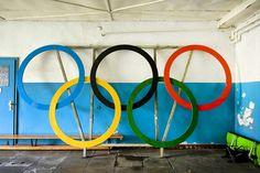 Старее, хуже, дряхлее: заброшенные олимпийские объекты сегодня http://chert-poberi.ru/interestnoe/staree-xuzhe-dryaxlee-zabroshennye-olimpijskie-obekty-segodnya.html   Осталось меньше недели до начала Олимпийских игр в Рио, и организаторы мероприятия спешно вносят последние штрихи. Олимпийская деревня была названа непригодной для жилья, хотя спортсменам все равно приходится заселяться туда, а причал для соревнований по парусному спорту был разрушен трехметровыми волнами. Кроме того…