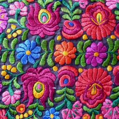 Very nice piece of Matyo embroidery Mexican Embroidery, Hungarian Embroidery, Folk Embroidery, Ribbon Embroidery, Embroidery Designs, Alcohol Ink Glass, Paper Quilling, Textile Art, Scrappy Quilts