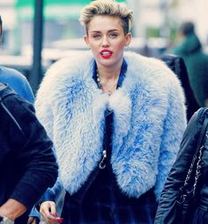 Love her more than anything����������miss her چرا پیداش نمیشه دارم میمیرم از دلتنگی������������ #miley #mileycyrus #mileydaily #smilers #Queen #s4s #l4l #f4f#fashion #barbie #girl #beautiful #instagood #hannamontana #celebrity #longhair#redlips #shorthair#makeup #news #update#styleoftheday#bff#liamhemsworth#romantic #love#kiss#family#hot http://tipsrazzi.com/ipost/1504645351825507145/?code=BThkvm8gINJ
