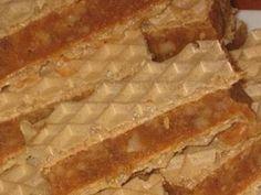 Prajitura cu crema de nuci si foi Lica Romanian Recipes, Romanian Food, Pie, Cakes, Desserts, Sweets, Torte, Tailgate Desserts, Cake