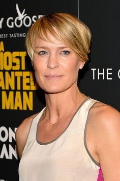 House of Cards star, Robin Wright, shows her sexy pixie cut for the Fall!