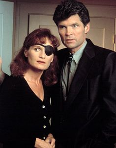 Twin Peaks Eyepatch - Nadine and Ed Best Tv Shows, Favorite Tv Shows, Twin Peaks Costume, Twin Peaks Characters, Movie Characters, David Lynch Movies, David Lynch Twin Peaks, Laura Palmer, Tv Series To Watch