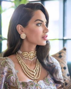 Ever wondered what Anamika Khanna Lehengas cost? The designer recently shared some of her bridal wear prices. Wedding Day Makeup, Bridal Makeup Looks, Indian Bridal Makeup, Indian Bridal Fashion, Chocker Necklace, White Necklace, Chokers, Jewelry Design Earrings, Necklace Designs