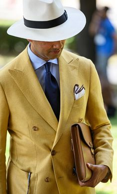 Professional Clothier & Wardrobe Specialist — superglamourous-handmadeinitaly: New Tangerine Gents Fashion, Suit Fashion, Party Fashion, Style Fashion, Fashion Trends, Summer Suits, Gentleman Style, Stylish Men, Mens Suits