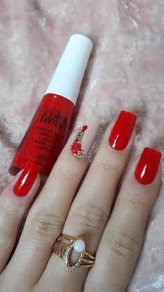 Glam Nails, Classy Nails, Red Nails, Glitter Nails, Avon Nails, Gelish Nails, 3d Acrylic Nails, Nail Polish Flowers, Grunge Nails
