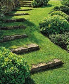 kreative Gartengestaltung mit DIY Gartentreppe mit steinen und gras