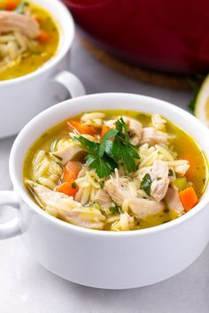 One Pot Turkey Orzo Soup! This easy vegetable turkey orzo soup uses leftover Thanksgiving turkey. It's easy, delicious, and made in one pot #cookingformysoul Thanksgiving Mac And Cheese, Thanksgiving Turkey, Vegetable Soup Recipes, Chicken Recipes, Sundried Tomato Pesto, Chicken Orzo Soup, Turkey Glaze, Wild Rice Soup, Turkey Soup