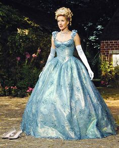 Cinderella (OUAT) In my personal opinion, Cinderella in this show was the most beautiful and most inspirational character out of all of the princesses- and that's saying alot! Too bad they never brought her back. Once Upon A Time, Movie Costumes, Cool Costumes, Costume Ideas, Cosplay Ideas, Halloween Costumes, Cinderella Costume, Real Cinderella, Cinderella Wedding