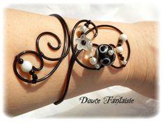 Bracelet en fil aluminium noir et blanc : Bracelet par douce-fantaisie sur ALittleMarket.