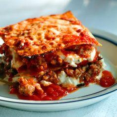 Lasagne - Barefoot Contessa's Recipe @keyingredient #cheese #pork #tomatoes #italian
