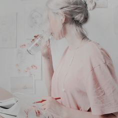 Aesthetic Images, White Aesthetic, Aesthetic Photo, Aesthetic Pastel, Aesthetic Girl, Jandy Nelson, School For Good And Evil, Jenny Humphrey, Himiko Toga