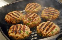 Easy healthy turkey burgers get lots of flavor from garlic onion and parsley - use olive oil and a whole egg. Paleo Turkey Burgers, Turkey Burger Recipes, Beef Burgers, Hamburger Recipes, Veggie Burgers, Hcg Diet Recipes, Bariatric Recipes, Cooking Recipes, Cooking Tips