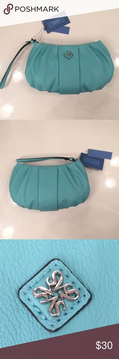 🆕Vera Wang Turquoise Wristlet🆕 ✅100% Authentic✅ Brand new. No trades. Vera Wang Bags Clutches & Wristlets
