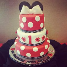 Minnie Mouse Cake by MyCakes