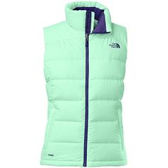 Stand out from the crowd as you wear The North Face Women's Nuptse 2 Down Vest. Since it's made with recycled polyester taffeta and insulated with 700-fill down...
