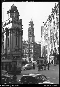 Spring Street with Lands Office [Sydney]  between 1910 and 1962  by Frank Hurley, Australian photographer
