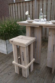 steigerhout stoer. stoere tuinbar van steigerhout
