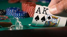 Apabila anda sudah memahami sebuah kombinasi kartu dalam permainan judi poker online, Makan akan lebih mempermudah anda untuk mengerti dalam menjumlahkan total