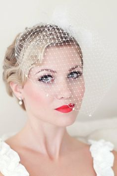 birdcage veil with short hair (15)