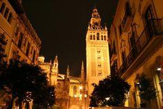 Sevilla! Para mi una de las ciudades más bonitas del mundo...