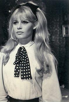 Brigitte Bardot, icona del cinema francese e internazionale degli anni 60.