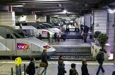 Identité visuelle et logo #SNCF : #Megamark a décliné l'image de la SNCF sur de nombreux TGV.  www.megamark.fr Crédits : Christophe Recoura