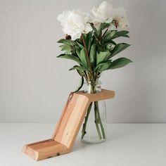 Vase Arrangements, Vase Centerpieces, Vases Decor, Plant Decor, Old Vases, Vase Design, Vase Crafts, Wooden Vase, Vase Shapes