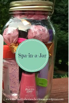 Great gift for a teen girl - Spa-in-a-Jar!  :  The Creative Homeschool Mom #teen