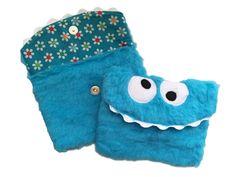 Flauschiges Monster Täschchen von Miss Strange's Monsterfabrik auf DaWanda.com