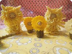 I WANT TO MAKE THESE IN ALL THE COLORS OF THE RAINBOW~  SO SWEET!  / we bloom here: peg doll swaps :: photo gallery