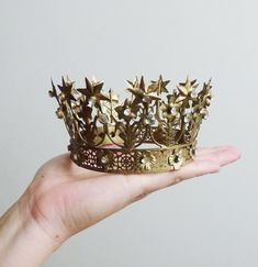 If I wanted to be a princess and was a princess this would be my crown. Twinkle, twinkle.
