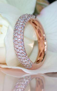 Timeless Diamond Pavé Ring, 1,02 ct. H SI, Rosegold 14K - Visit: schmucktraeume.com
