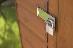 6 Home Security Tips for Your Backyard and Patio Home Safety Tips, Home Security Tips, Porch Lighting, Exterior Lighting, Home Security Devices, Pavement Design, Decor Scandinavian, Backyard Sheds, Outdoor Dining Set
