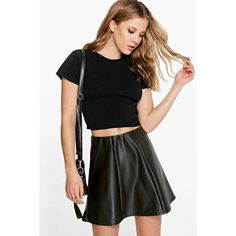 Boohoo Mia Short Sleeve Crop Jumper ($14) ❤ liked on Polyvore featuring tops, sweaters, black, short sleeve sweater, crop top, jumper top, layered crop top and lightweight sweaters