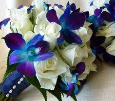 Ilyen kék virág aligha van a virágpiacon, ezt maximum a virágos tudja neked ilyen árnyalatra fújni.