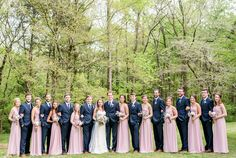 Navy and blush make a stunning wedding palette. | 4.16.2016 at The Sonnet House | Photo by Eric & Jamie Photography