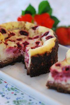 Cheesecake de cocolate e baunilha com framboesa e limao