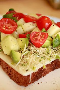 Mmm...Cafe: California Veggie Sandwiches