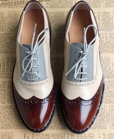 2015 British style carved hand-tailored vintage oxford shoes for women genuine leather Color matching lace-up flat heels men Cute Shoes, Women's Shoes, Me Too Shoes, Shoe Boots, Dress Shoes, Flat Shoes, Dress Clothes, Dansko Shoes, Prom Shoes