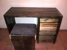Dressing Table, Corner Desk, Bedroom Ideas, Facebook, Wood, Furniture, Home Decor, Madeira, Woodwind Instrument