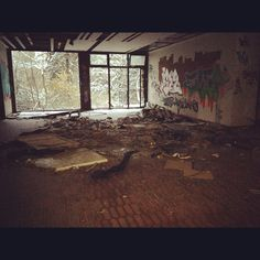 Location scouting at the abandoned Women's & Children's Hospital in Neukoelln, Berlin, Germany | http://TheInnerDistrict.com