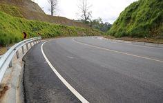 Danilo Medina inauguró la carretera Piedra Blanca-Juan Adrián-Rancho Arriba, que va desde Bonao, en la provincia cibaeña de Monseñor Nouel a la provincia San José de Ocoa, en el Sur