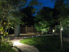 ガーデンパーティーが楽しめる庭 株式会社マサミガーデン 京都府D様邸 Spectacular garden lighting by lighting professionals. Enjoy a dramatic, romantic, even mysterious scene comparing to a day time.