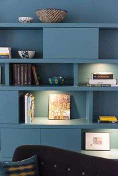 Mindful blue is the term to take into account when looking at the stunning interior design project below. A charming blue apartment design, it counts with one of the colour trends in misty blue Decor, Living Room Storage, Living Room, Stunning Interior Design, Room, Home Living Room, Home, Bookshelves, Bookshelf Decor