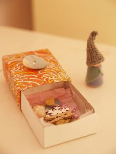 The Joy of Learning to Read. Matchbox with story elements to make the little reader curious about the book.