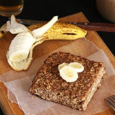 Banana Carob Baked Oatmeal- a super healthy, pre-made breakfast option that will keep you full for hours! GF