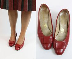 60s Shoes Kitten Heels Size 6 / 1960s Vintage Heel with Bow /