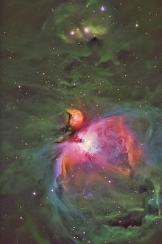 M42 The Orion Nebula in Hubble colors