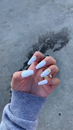 Semi-permanent varnish, false nails, patches: which manicure to choose? - My Nails Acrylic Nails Coffin Short, White Acrylic Nails, Summer Acrylic Nails, Best Acrylic Nails, White Coffin Nails, Acrylic Nail Designs, Accent Nail Designs, Fire Nails, Dream Nails